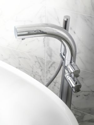 V+A Tubo 14 Thermo Free Standing Bath Shower Mixer Chrome